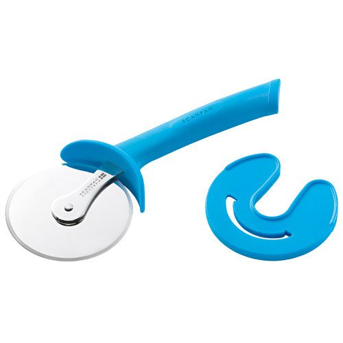 Scanpan Spectrum Soft Touch Pizza Cutter with Sheath Blue