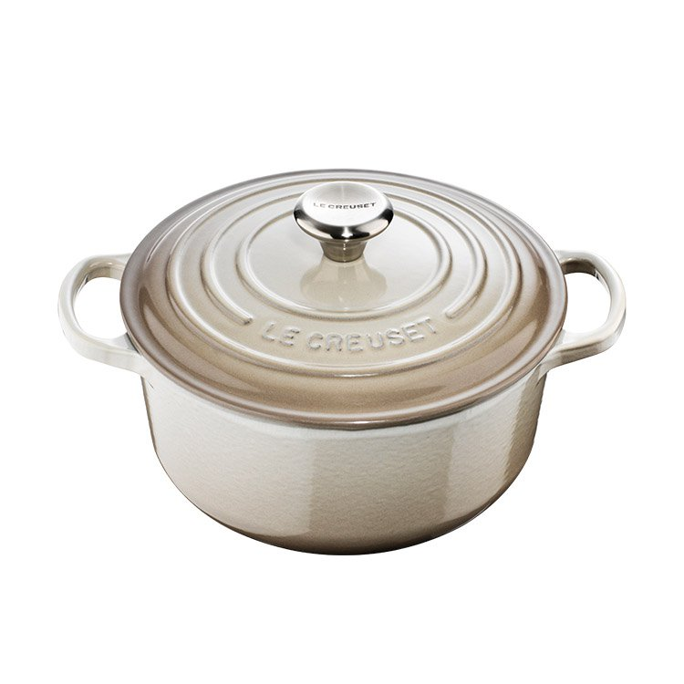 Le Creuset Signature Round French Oven 26cm - 5.3L  Nutmeg