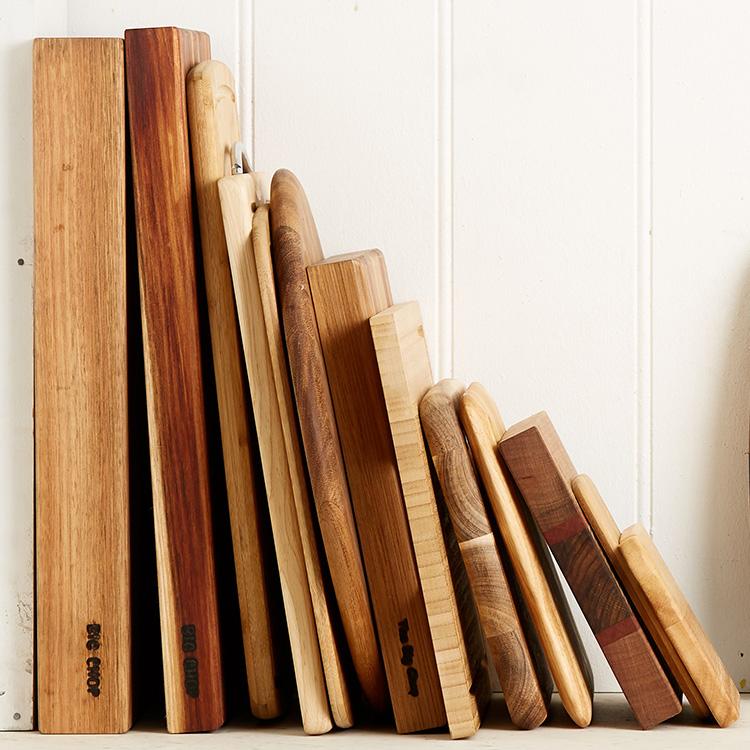 Big Chop Round Tasmanian Oak/Blackwood Cutting Board 33cm