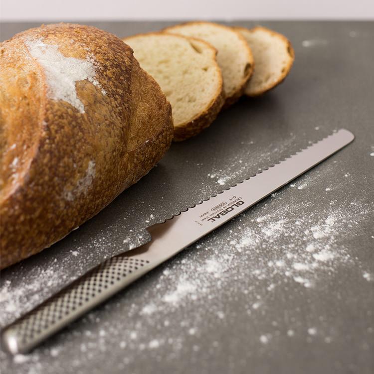 Global Bread Knife 22cm G-9