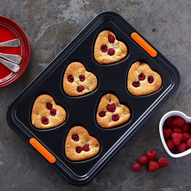 Le Creuset Toughened Non-Stick Heart Shaped Muffin Tray 6 Cup