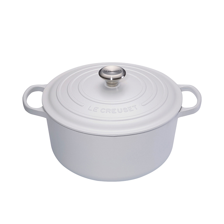 Le Creuset Signature Cast Iron Round Casserole 22cm - 3.3L Cotton