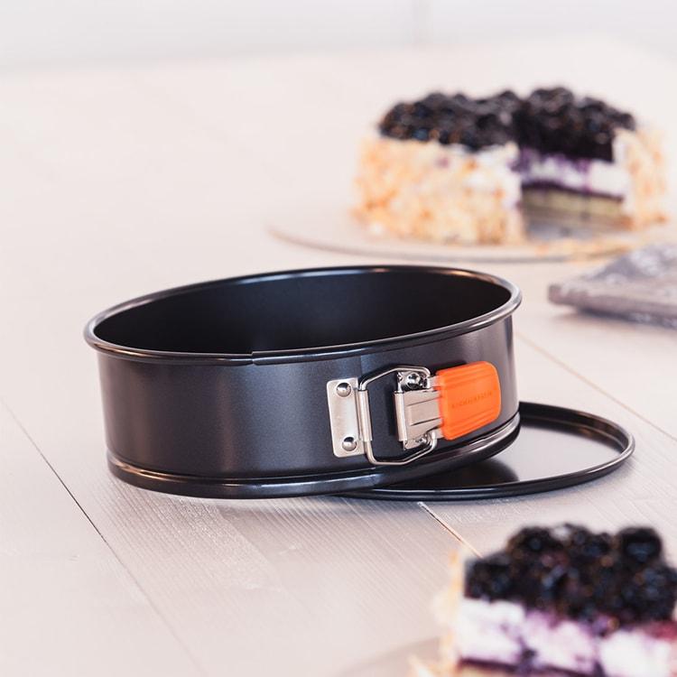 Le Creuset Toughened Non-Stick Springform Round Cake Tin 20x6.75cm