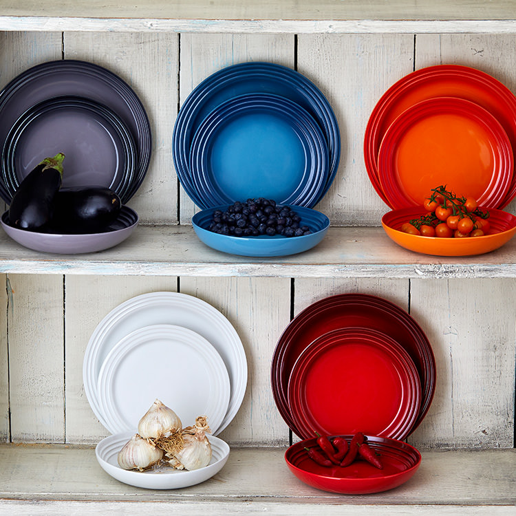 Le Creuset Stoneware Salad Plate 22cm Set of 4 Cerise image #5