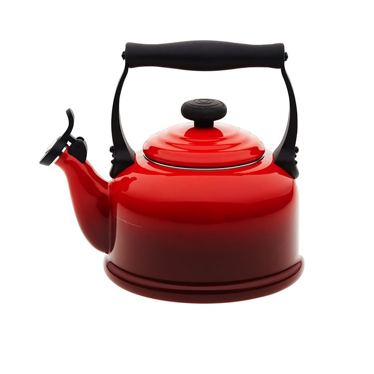 Le Creuset Traditional Kettle 2.1L Cerise