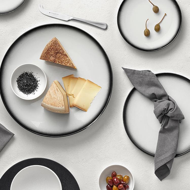 Maxwell & Williams Caviar Granite Coupe Plate 15cm