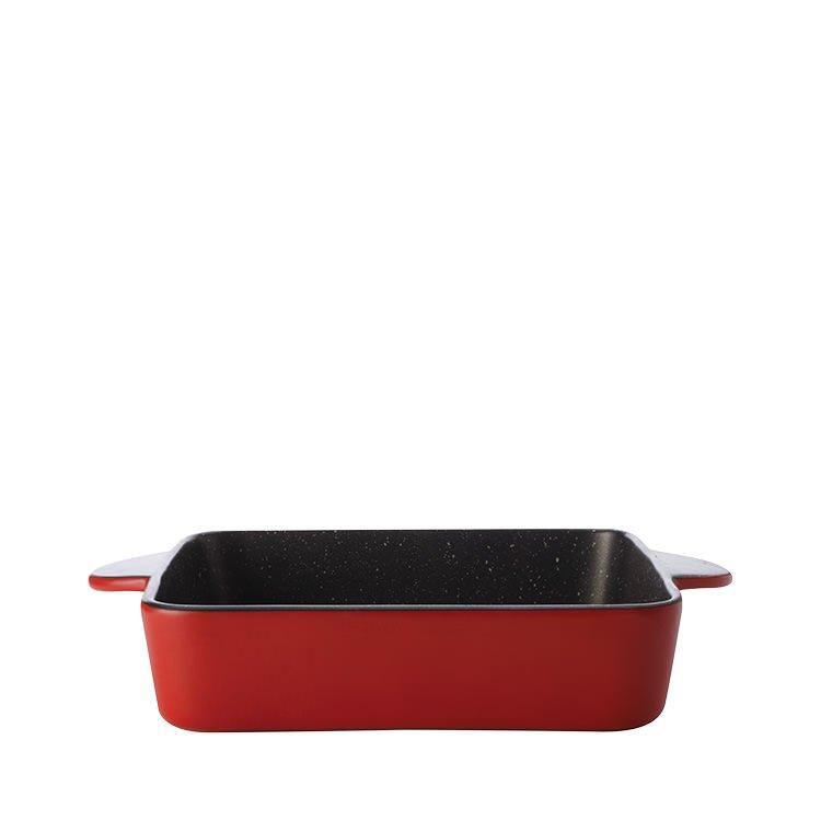 Maxwell & Williams Microstoven Square Baker 26x7cm Red
