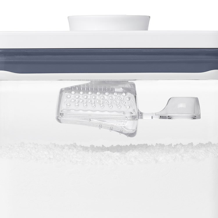 Oxo Pop Container Dusting Scoop