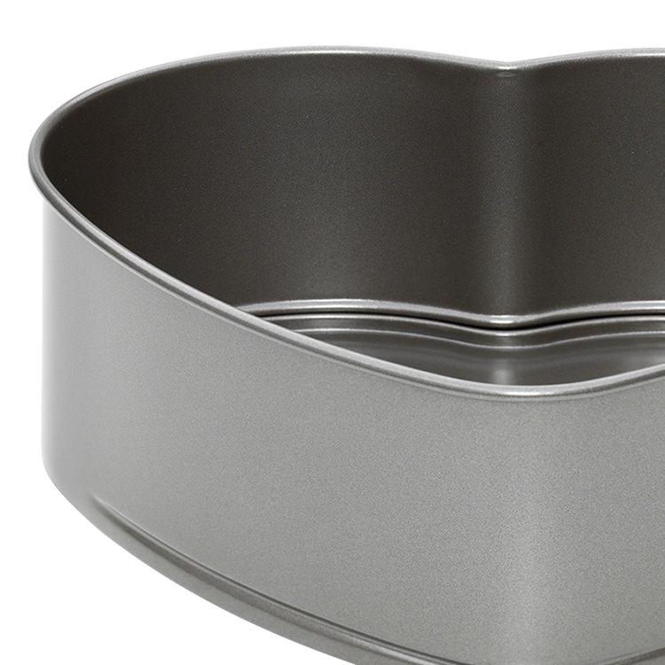 Pyrex Platinum Heart Springform Pan 22x21cm