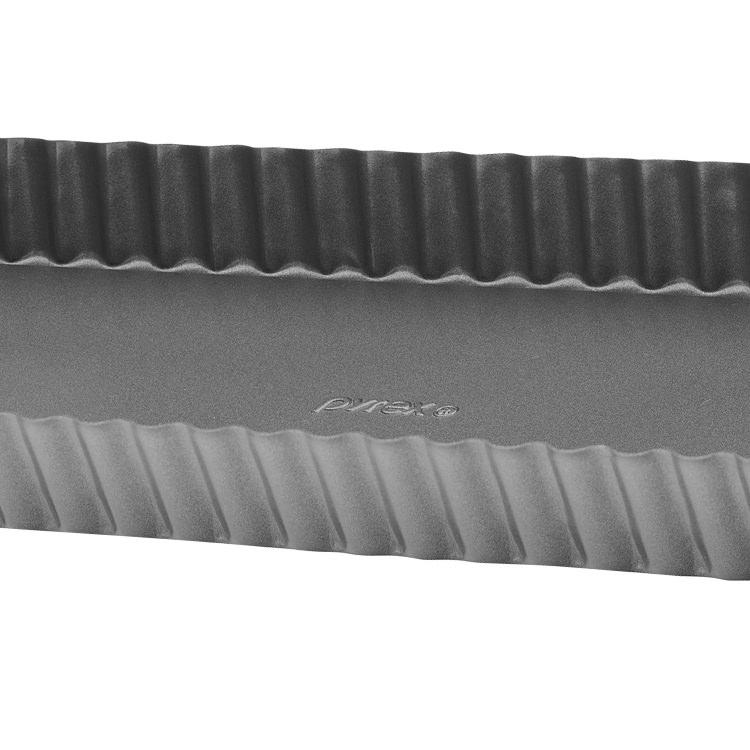Pyrex Platinum Loose Base Rectangular Quiche Pan 35x12cm image #3