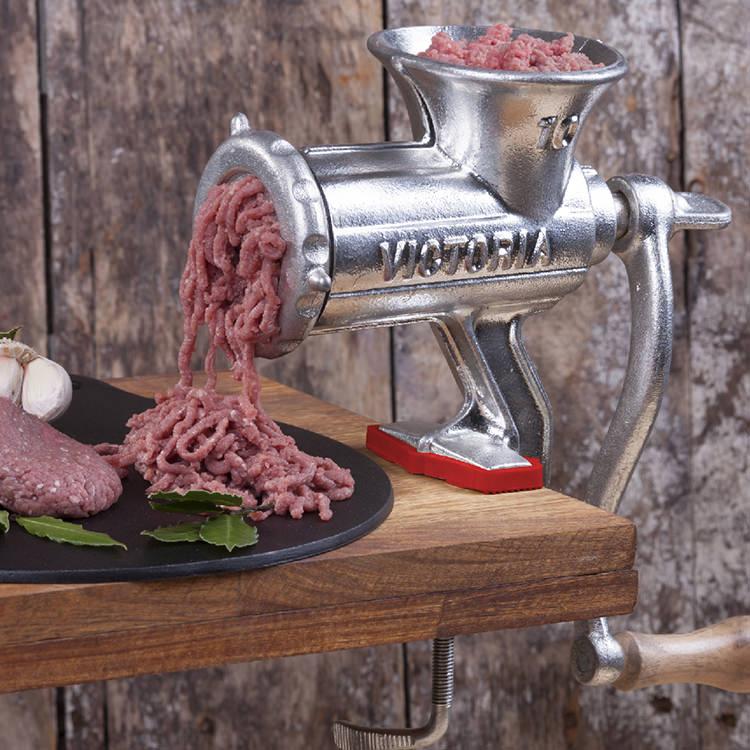 Victoria Cast Iron Manual Meat Mincer #10