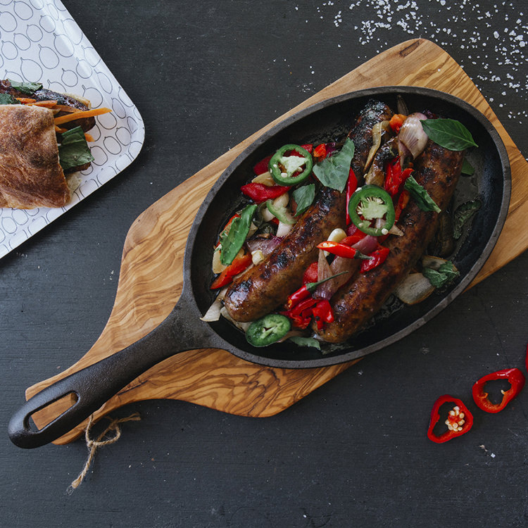 Victoria Seasoned Cast Iron Fajita Skillet 24cm
